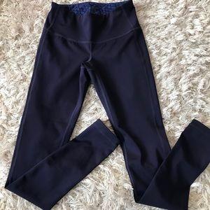 ATHLETA Slim blue reversible active leggings XXS